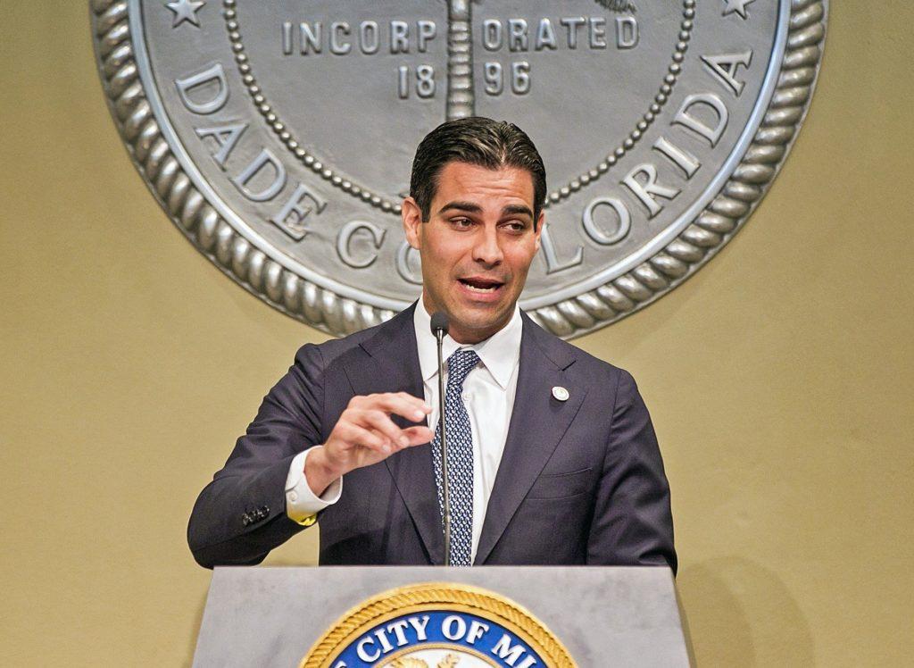 Miami Belediye Başkanı Francis Suares, yeni nesil para birimi Bitcoin ile Miami'nin geleceğini değiştirmeyi planlıyor.